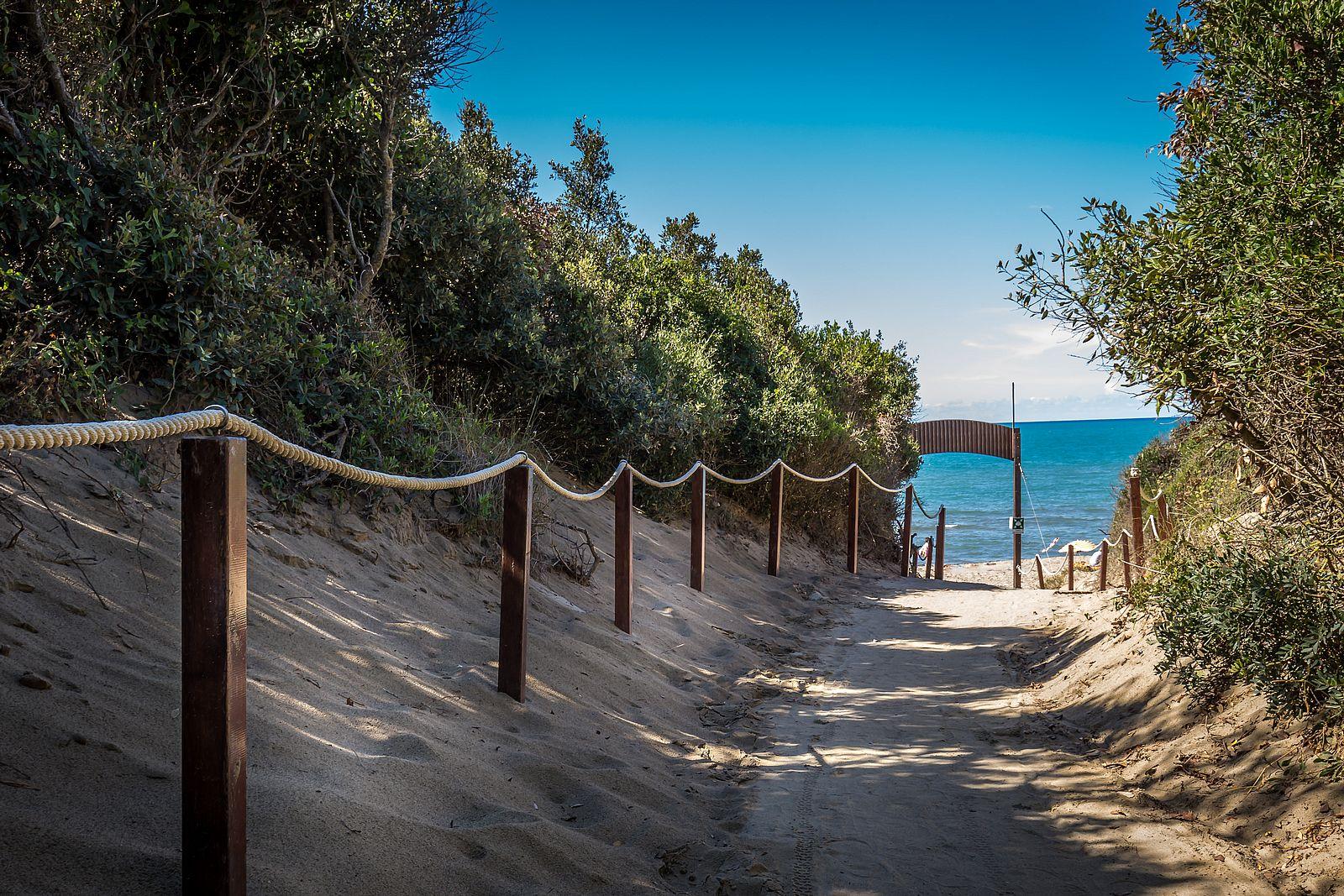 Campeggio toscana sul mare campeggio etruria castiglione della pescaia - Camping in toscana sul mare con piscina ...